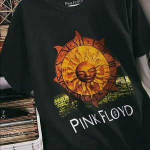 NEW Urban Outfitters Pink Floyd Vintage Wash Tee M
